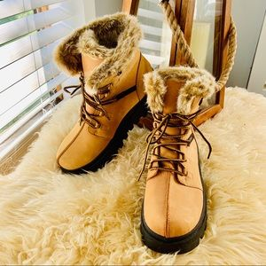 NWOT!! Cute and Cozy! SKETCHERS! Leather!